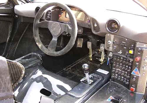 cockpit mclaren-f1-gtr-for-sale-1996-dashboard